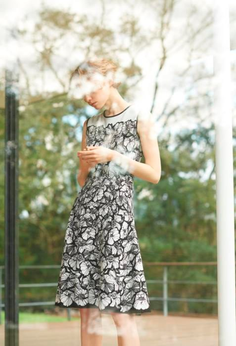 <EPOCA>MODERN DRESS UP -FUSION OF CLASSICAL AND MODERN-